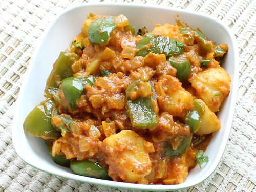 Aloo and Capsicum Curry