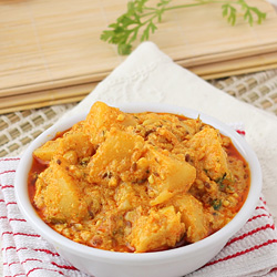 Aloo Sabzi with Curd Gravy
