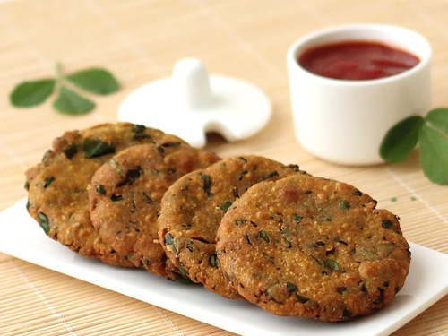 Methi dhebra recipe gujarati methi bajri na vada diabetic food bajri methi vada forumfinder Choice Image