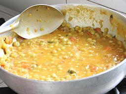 ragda recipe make best ragda patties ragda samosa with