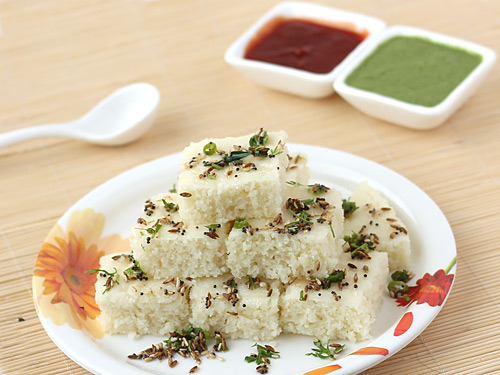 Rava dhokla recipe make instant white dhokla with sooji step by rava dhokla forumfinder Choice Image