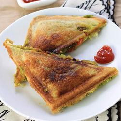 Veg Masala Toast Sandwich (Aloo Toast Sandwich)