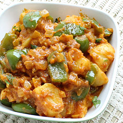 Aloo Capsicum Curry