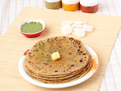Stuffed Mooli Paratha Recipe